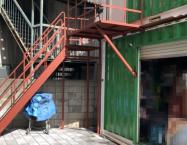 コンテナ階段デッキ